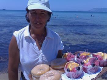 l'ottimo servizio di piccola ristorazione da spiaggia fornito da Maria